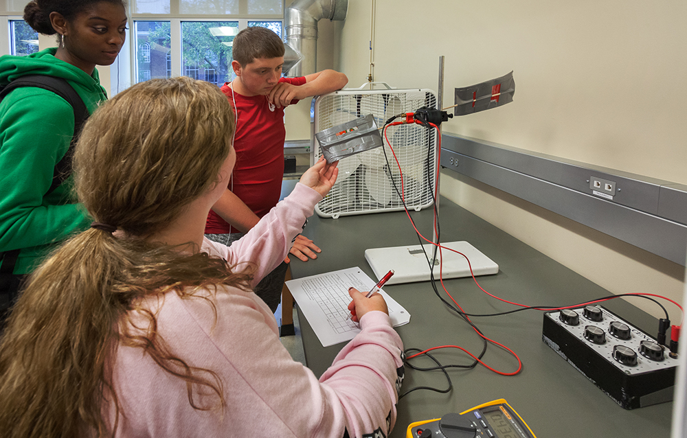 Active Learning in the Arthur Weisberg Family Applied Engineering Complex